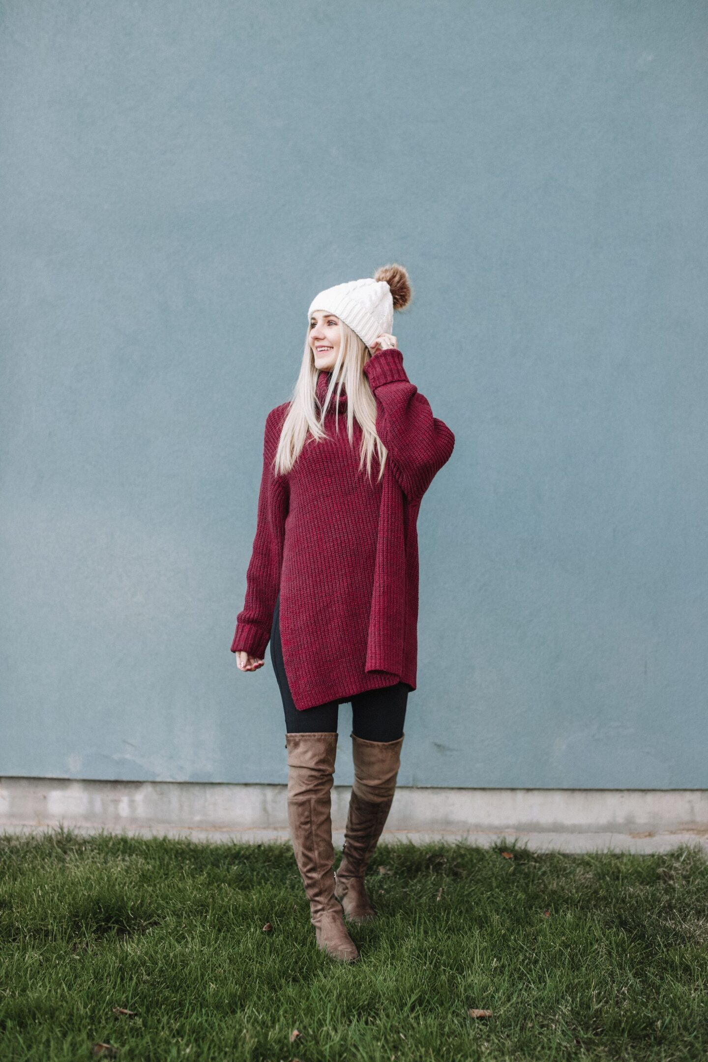 free people sweater dress, styling a faux fur beanie, otk boots, over the knee boots, black leggings for winter, eBay style , HappeningOneBay